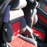Alcantara Domino in Toyota Celica rosu